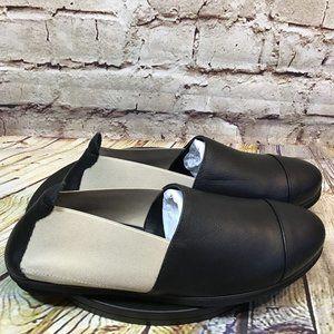 Andre Assous Black Beige Elastic Flats Size 7.5